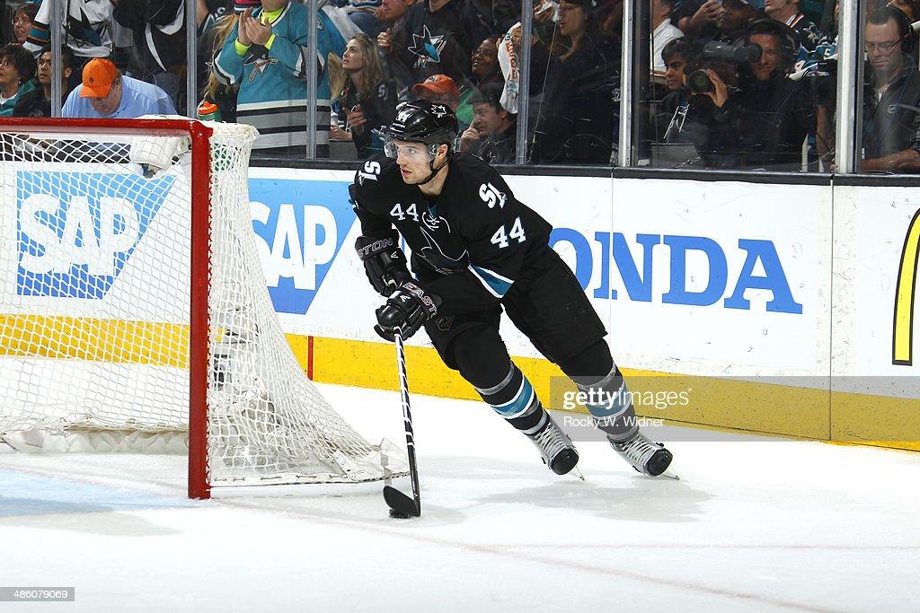 Los Angeles Kings v San Jose Sharks - Game Two : News Photo