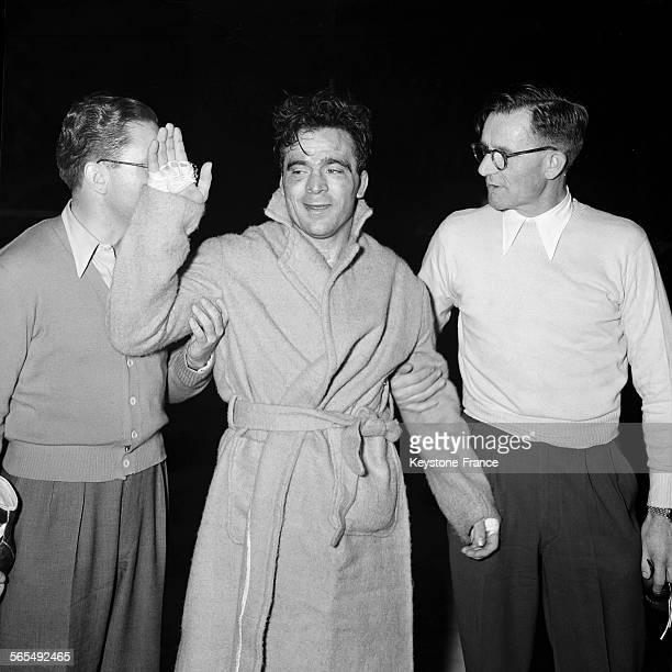 Marcel Cerdan bat Georgie Abrams aux points lors de leur combat à New York EtatsUnis le 9 décembre 1946