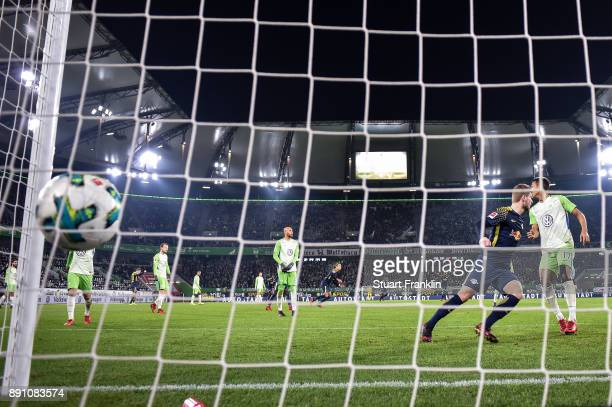 Marcel Halstenberg of RB Leipzig scores his team's equalizing goal to make it 11 during the Bundesliga match between VfL Wolfsburg and RB Leipzig at...