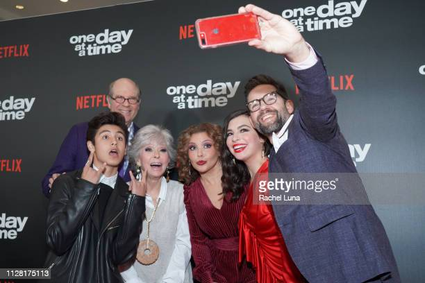 Marcel Ruiz Stephen Tobolowky Rita Moreno Justina Machado Isabella Gomez and Todd Grinnell take a selfie at the premiere of Netflix's One Day At A...