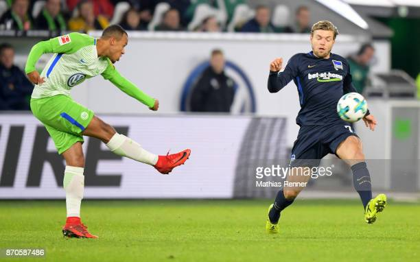 Marcel Tisserand of VfL Wolfsburg and Alexander Esswein of Hertha BSC during the game between VfL Wolfsburg and Hertha BSC on november 5 2017 in...