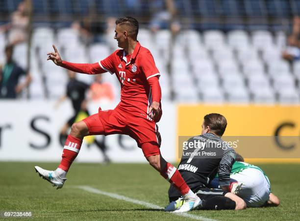 Marcel Zylla of FC Bayern Muenchen scores his team's first goal during the B Juniors German Championship Final between FC Bayern Muenchen and SV...