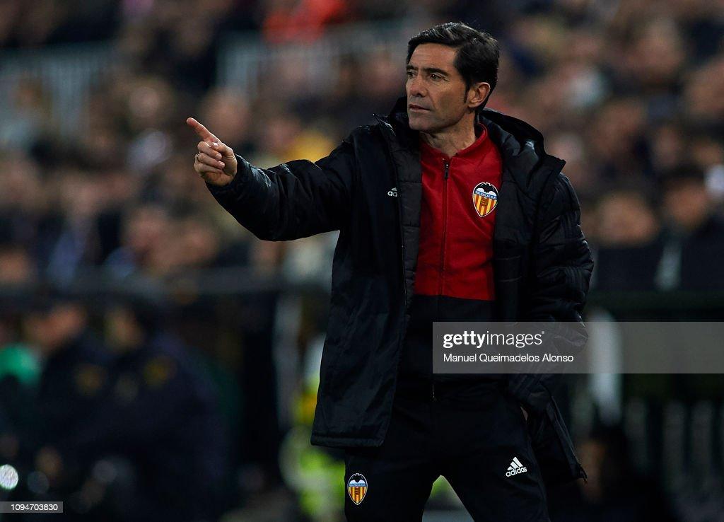 Valencia v Sporting Gijon - Copa del Rey Round of 16 : News Photo