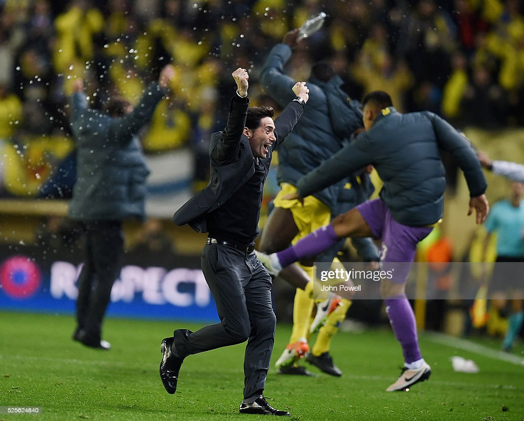Marcelino Garcia Toral manager of Villarreal celebrates after Adrian Lopez of Villarreal scores the goal during the UEFA Europa League Semi Final: First Leg match between Villarreal CF and Liverpool on April 28, 2016 in Villarreal, Spain.