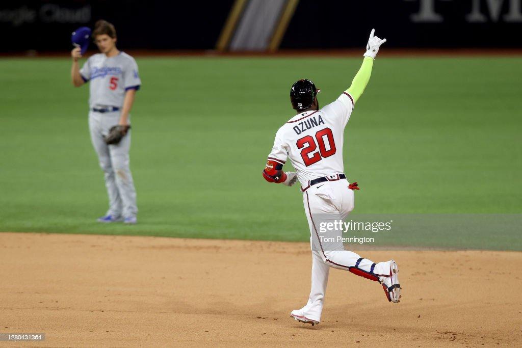 League Championship - Los Angeles Dodgers v Atlanta Braves - Game Four : News Photo