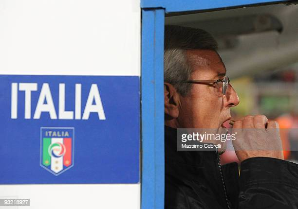 Marcello Lippi head coach of Italy smokes a cigar before the International Friendly Match between Italy and Sweden at Dino Manuzzi Stadium on...