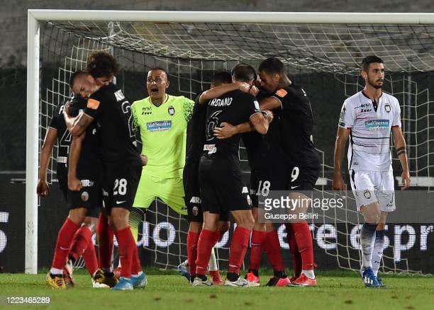 Marcello Trotta of Ascoli Calcio celebrates after scoring goal 1-1 during the serie B match between Ascoli Calcio and FC Crotone at Stadio Cino e...