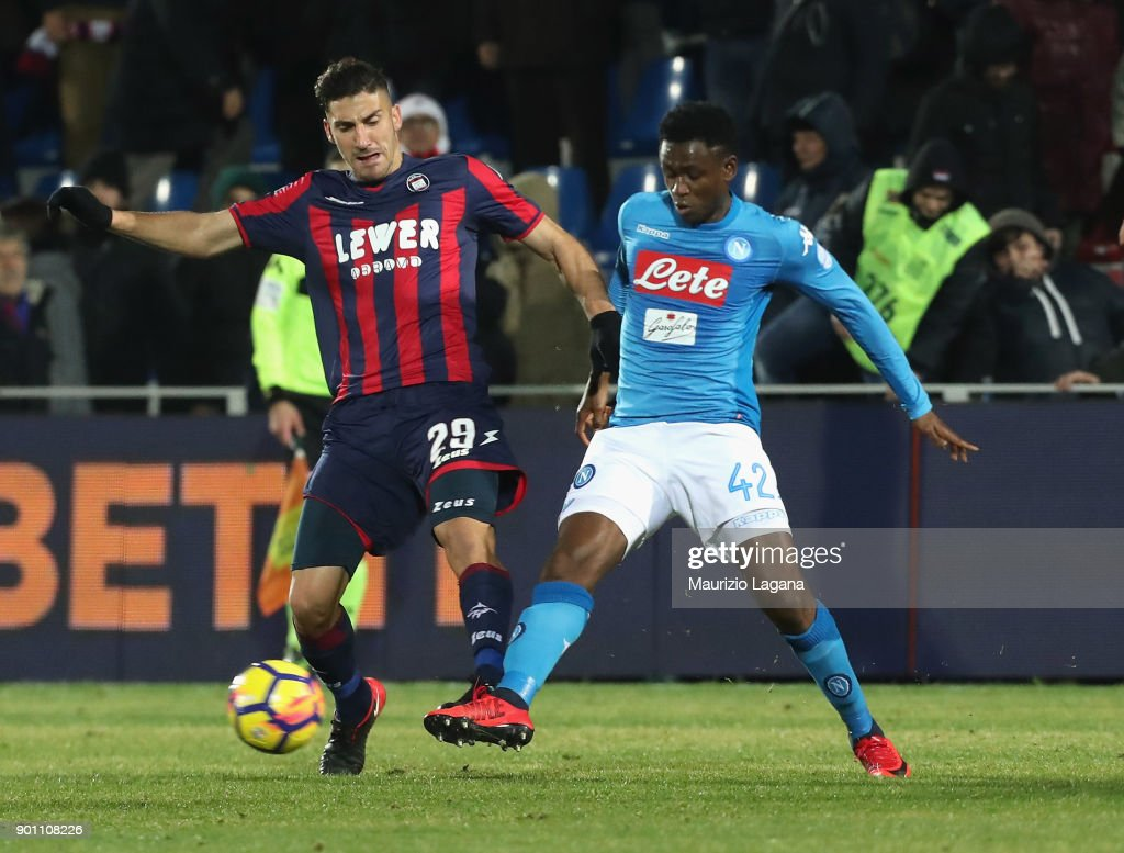 Marcello Trotta (L) of Crotone competes for the ball with Amadou Diawara of Napoli during the serie A match between FC Crotone and SSC Napoli at Stadio Comunale Ezio Scida on December 29, 2017 in Crotone, Italy.