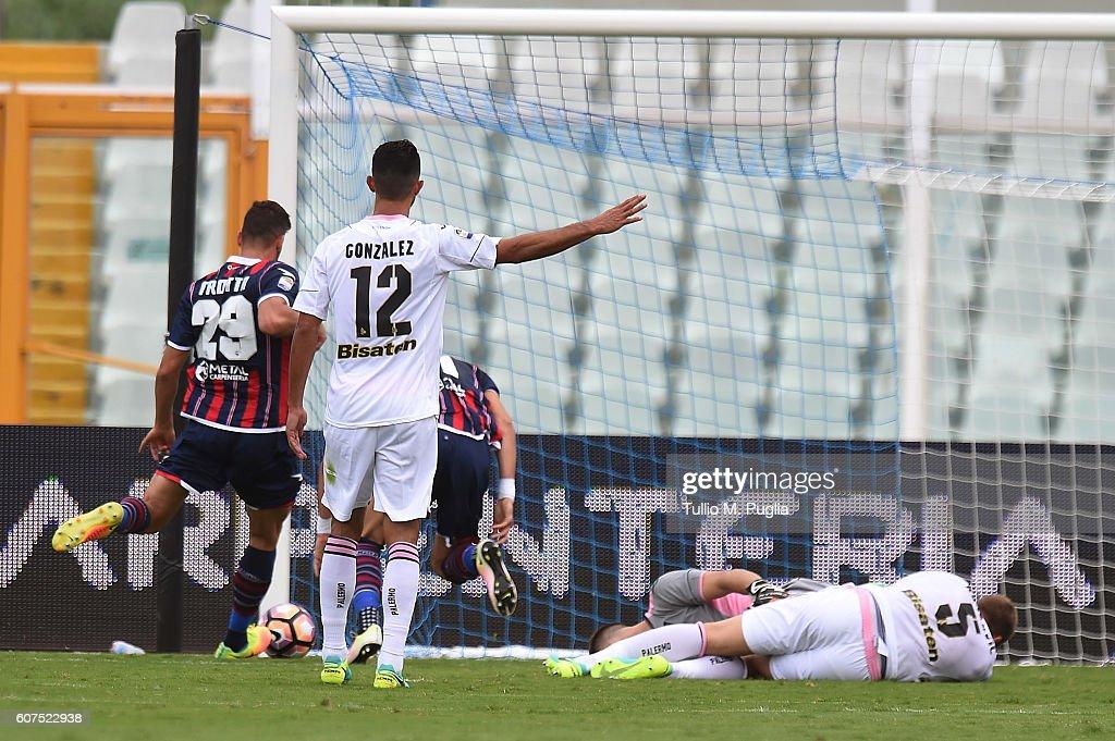 FC Crotone v US Citta di Palermo - Serie A : News Photo