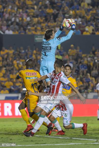 Marcelo Barovero goalkeeper of Necaxa holds the ball during the 16th round match between Tigres UANL and Necaxa as part of the Torneo Apertura 2017...