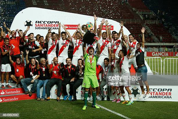 Marcelo Barovero of River Plate celebrates lifting the trophty after wining the second leg match between San Lorenzo and River Plate as part of...