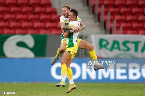 Marcelo Benítez of Defensa y Justicia celebrates with teammate after scoring the second goal of his team during match between Palmeiras and Defensa y...