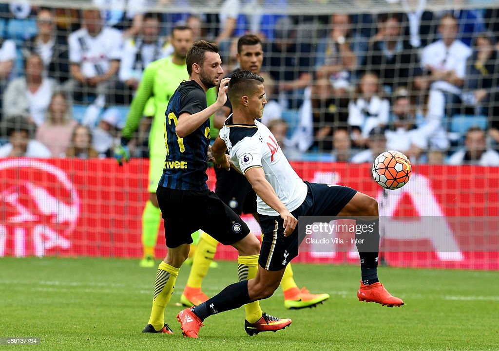 Tottenham FC Hotspur v Fc Internazionale - Friendly Match : News Photo
