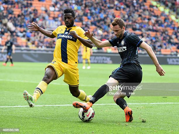 Marcelo Brozovic of FC Internazionale and Silvestre Varela of Parma FC compete for the ball during the Serie A match between FC Internazionale Milano...