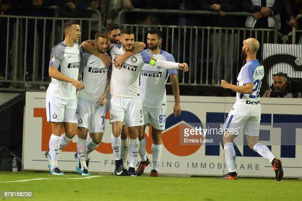 Marcelo Brozovic of inter celebrates his goal 02 with the team mates during the Serie A match between Cagliari Calcio and FC Internazionale at Stadio...