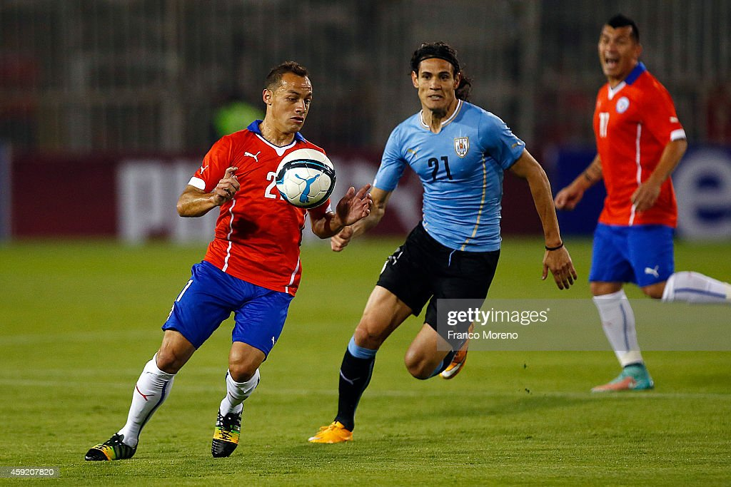 Marcelo Diaz of Chile controls the ball with the chest during an international friendly match between Chile and Uruguay at Monumental Stadium on November 18 2014 in Santiago, Chile.