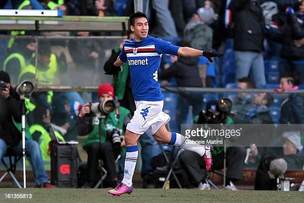 Marcelo Estigarribia of UC Sampdoria celebrates after scoring a goal during the Serie A match between UC Sampdoria and AS Roma at Stadio Luigi...
