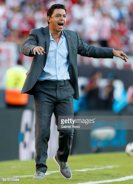 Marcelo Gallardo coach of River Plate gives instructions to his players during a match between River Plate and Rosario Central as part of Superliga...