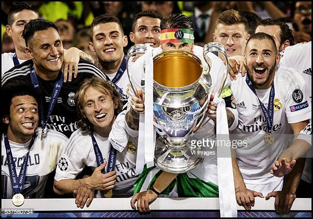 Marcelo Luka Modric Cristiano Ronaldo Sergio Ramos Tony Kroos Karim Benzema of Real Madrid show the Cup during the UEFA Champions League final match...
