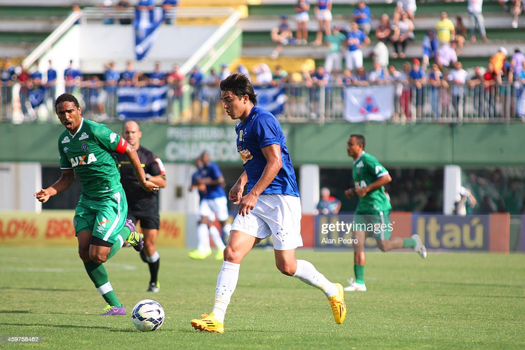 Marcelo Moreno #18 (R) of Cruzeiro struggles for the ball with a Rafael Lima #3 of Chapecoense during a match between Chapecoense and Cruzeiro for the Brazilian Series A 2014 at Arena Conda Stadium on November 30, 2014 in Chapeco, Brazil.