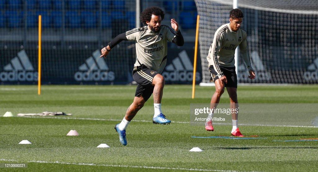 Real Madrid Training Session : Fotografía de noticias