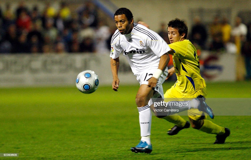 Marcelo (C) of Real Madrid in action during the Copa del Rey match between AD Alcorcon and Real Madrid at Municipal de Santo Domingo on October 27, 2009 in Alcorcon, Spain.