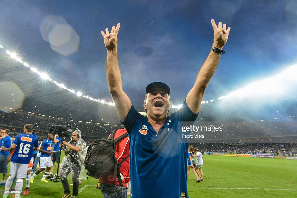 Cruzeiro v Goias - Brasileirao Series A 2014 : News Photo