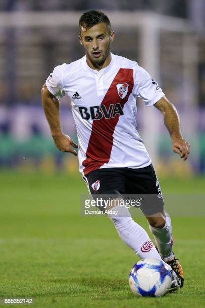 Marcelo Saracchi of River Plate drives the ball during a match between Gimnasia y Esgrima La Plata and River Plate as part of the Superliga 2017/18...