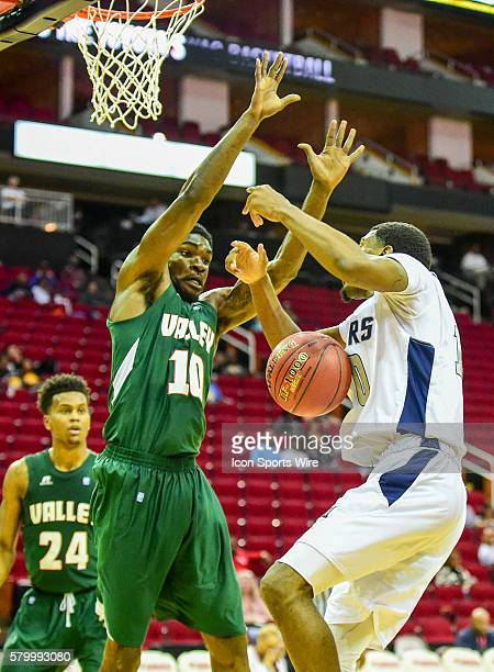 Jackson State Tigers guard Raeford Worsham loses ball control as Mississippi Valley State Delta Devils forward Ta'Jay Henry defends during the 2016...