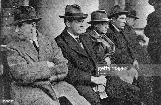 Sinn Fein leader and CommanderInChief of the Irish Free State Army Michael Collins at a great ProTreaty meeting in College Green Dublin with Joseph...