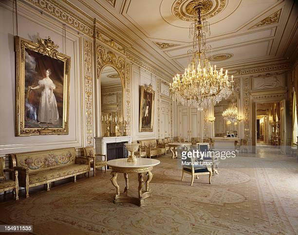 the Grand Salon Blanc with his furniture empire