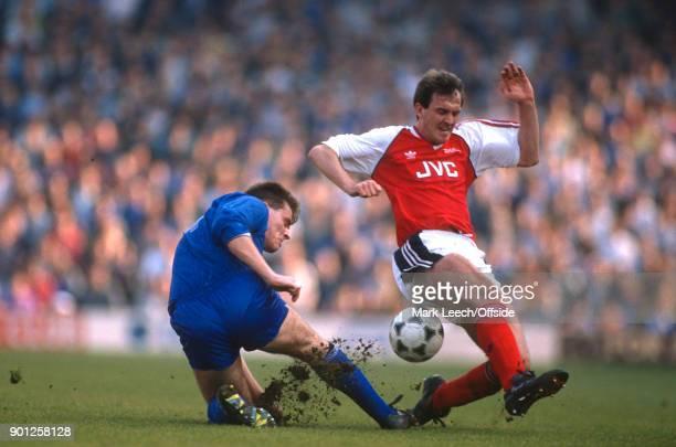 Football League Division One Arsenal v Everton Ian Snodin of Everton tackles Martin Hayes of Arsenal