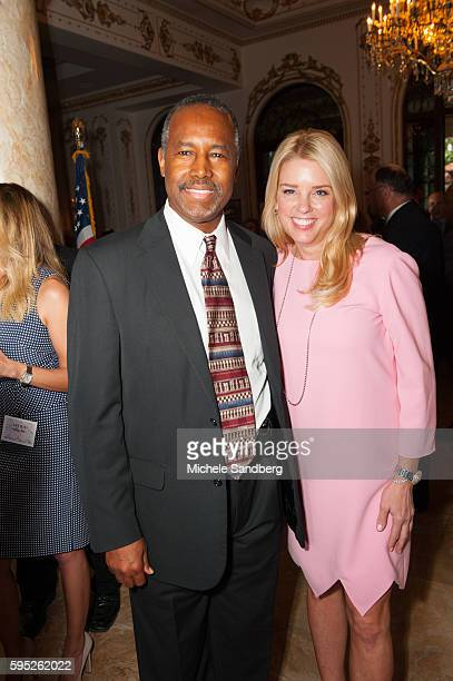 Dr Ben Carson with Florida Attorney General Pam Bondi Keynote Speaker Donald Trump with guest Dr Ben Carson attend the Palm Beach Lincoln Day Dinner...