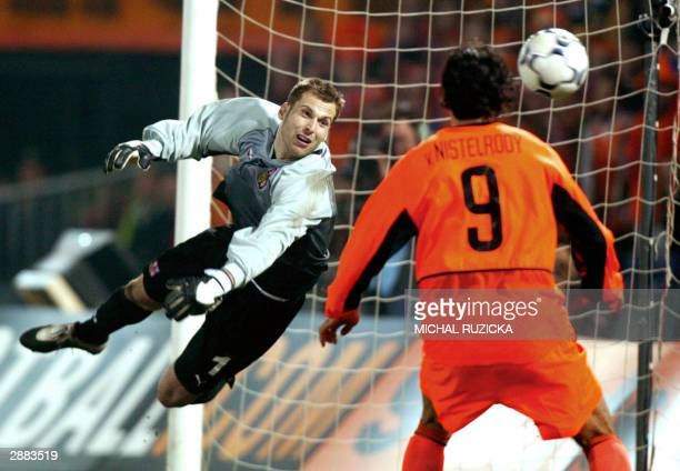 29 March 2003 Czech national team goalie Petr Cech tries to stop a ball fired by Dutch Ruud van Nistelrooy during a Euro 2004 Group match in...