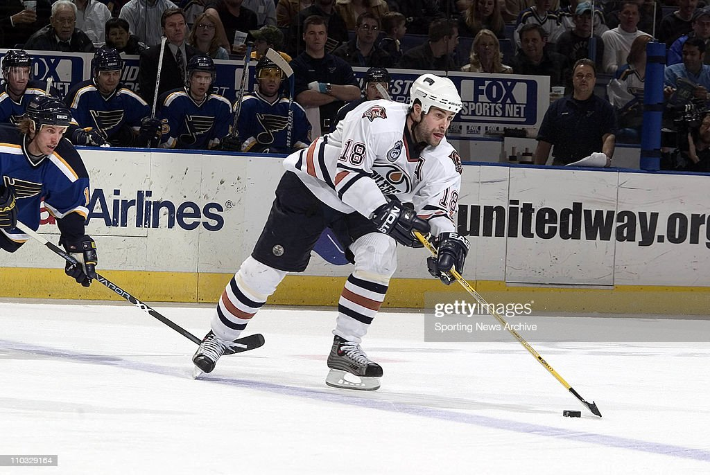 5e815c100 30 March 2004  Ethan Moreau of the Edmonton oilers during the Oilers ...