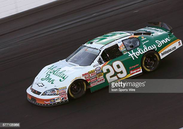 Jeff Burton races to victory during the Sam's Town 300 NASCAR Busch Grand National race at the Las Vegas Motor Speedway in Las Vegas NV