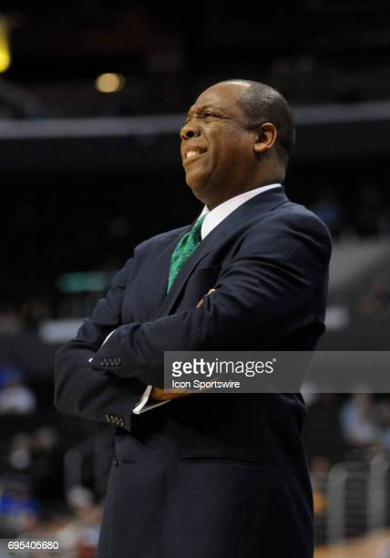 Oregon head coach Ernie Kent during a Pac-10 Tournament game featuring the Oregon Ducks against the Washington State Cougars at the Staples Center in...