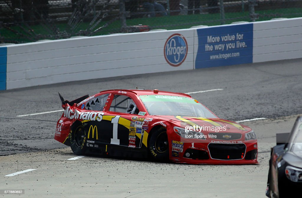 AUTO: MAR 30 NASCAR - Sprint Cup Series - STP 500 Pictures | Getty ...