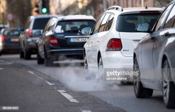 Cars driving through the city The threshold values of 50 micro grams of fine dust per cubic metre of air in the inner city have been crossed at the...