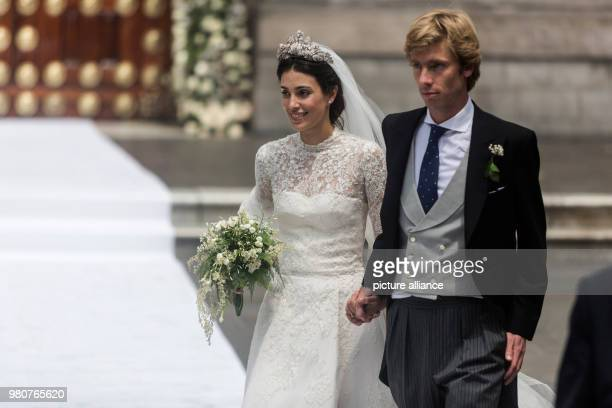 March 2018, Peru, Lima: Prince Christian of Hanover and Alessandra de Osma exit the church after their wedding ceremony in the Basilika San Pedro in...