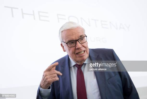 March 2018, Germany, Hamburg: The logistics billionaire and Hamburger SV investor Klaus Michael Kuehne delivers a statement during the press...