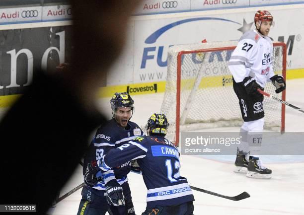 Ice hockey DEL ERC Ingolstadt Kölner Haie championship round quarter finals 4th matchday in the Saturn Arena Ingolstadt's Brandon Mashinter and...