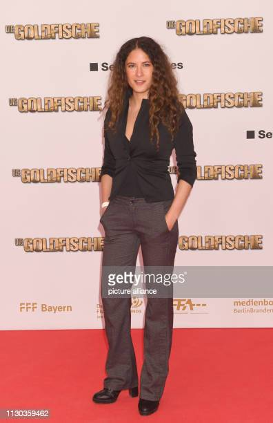 The actress Amanda da Gloria comes to the world premiere of the comedy 'The Goldfish' in the Mathäser cinema Photo Felix Hörhager/dpa