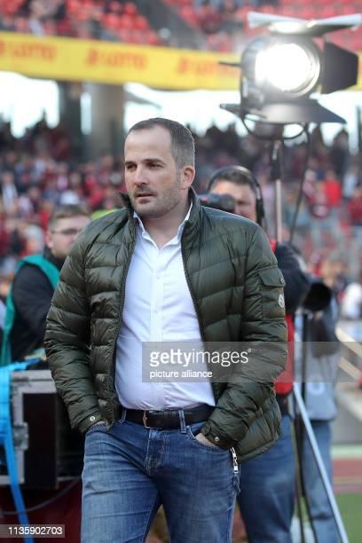 March 2019, Bavaria, Nürnberg: Soccer: Bundesliga, 1st FC Nuremberg - FC Augsburg, 27th matchday in Max Morlock Stadium. The Augsburg coach Manuel...