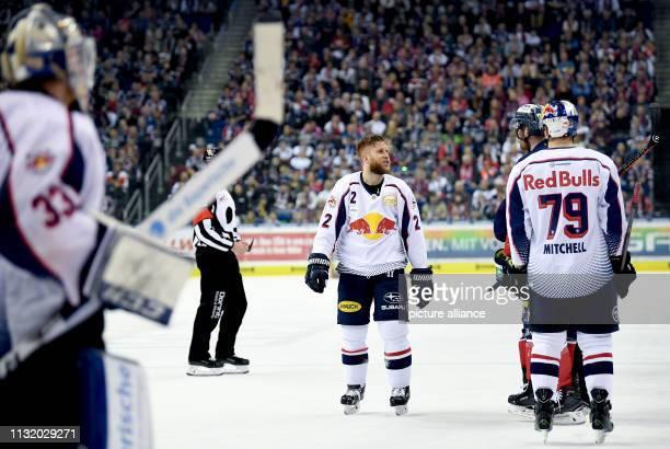 Ice hockey DEL Eisbären Berlin EHC Red Bull Munich championship round quarter finals 4th matchday Berlin's Marcel Noebels and Munich's Andrew...