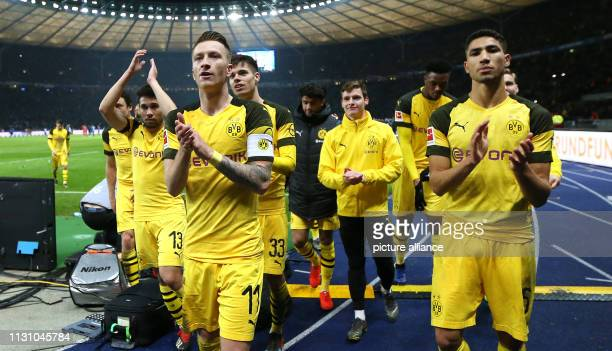 Soccer Bundesliga Hertha BSC Borussia Dortmund 26th matchday in the Olympic Stadium The players from Borussia Dortmund with team captain Marco Reus...