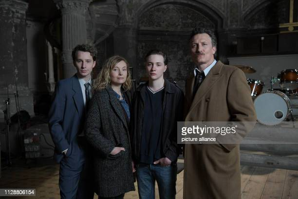 "March 2019, Berlin: The actors Jonathan Berlin , Nadja Uhl, Michelangelo Fortuzzi and Oliver Masucci shooting the historical ZDF three-part film ""The..."