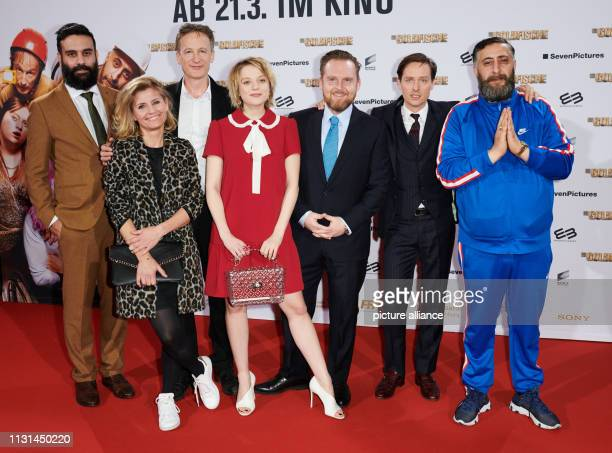 The two film producers Alireza Golafshan and Justyna Münsch stand next to the actors Jan Henrik Stahlberg Jella Haase Axel Stein Tom Schilling and...
