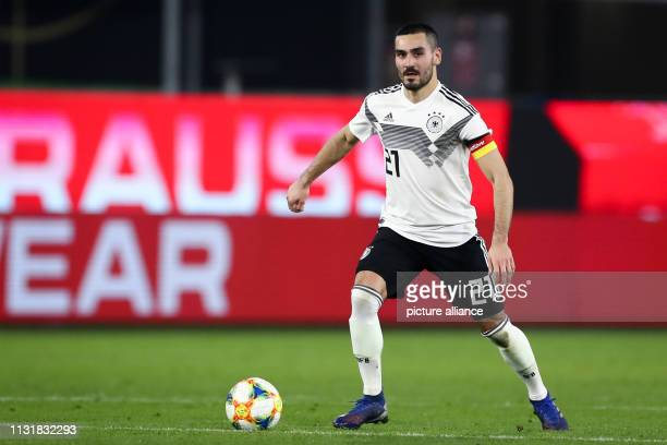 Soccer International match Germany Serbia in the Volkswagen Arena Germany's Ilkay Gündogan plays the ball IMPORTANT NOTE In accordance with the...