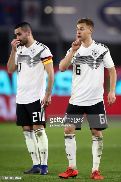 Soccer International match Germany Serbia in the Volkswagen Arena Germany's Ilkay Gündogan and Joshua Kimmich are standing on the square IMPORTANT...